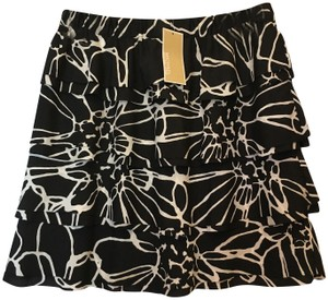 Michael Kors Tiered Elastic Waist Size 6 S Small New With Tags Mini Skirt Black and White