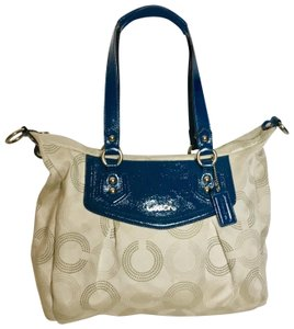 828e2be6863 Green Leather Coach Hobo Bags - 70% Off or More at Tradesy