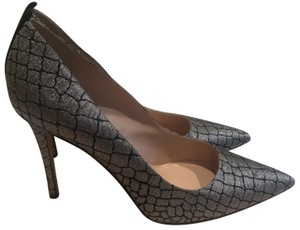 4980f2bd50 SJP by Sarah Jessica Parker Pumps Up to 90% off at Tradesy