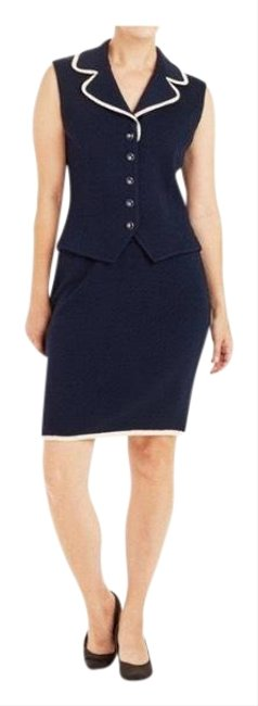 Item - Navy Skirt Suit Size 4 (S)