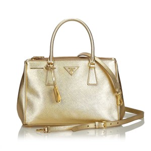 Prada 9dprst028 Vintage Leather Satchel in Gold