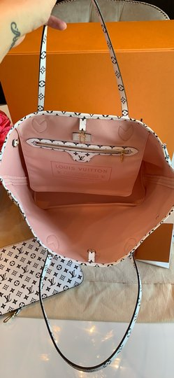 Louis Vuitton Tote in Red/Pink Image 4