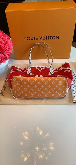 Louis Vuitton Tote in Red/Pink Image 7