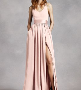 White by Vera Wang Petal Pink Crepe and Charmeuse V Neck Halter Gown with Sash Formal Bridesmaid/Mob Dress Size 10 (M)