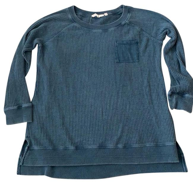 Preload https://img-static.tradesy.com/item/25403925/2az81-blue-sweater-0-1-650-650.jpg