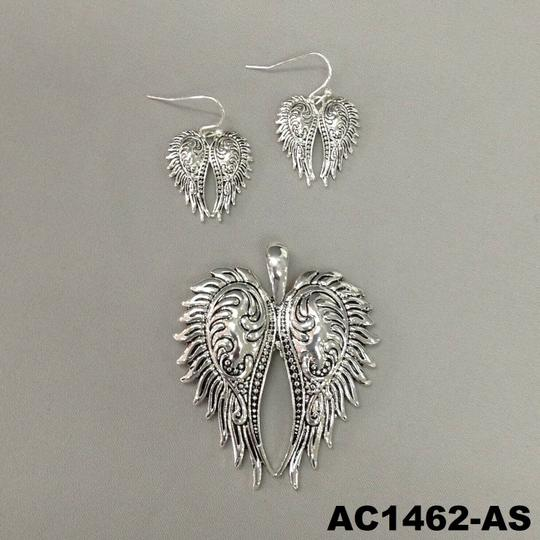 Generic Angel Wing Silver Necklace Pendant and Earrings Image 3