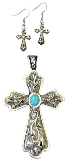 Preload https://img-static.tradesy.com/item/25404011/silver-cross-pendant-and-earrings-necklace-0-1-540-540.jpg