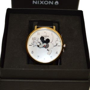Nixon D I S N E Y Arrow Leather MICKEY Mouse watch A1091 3095
