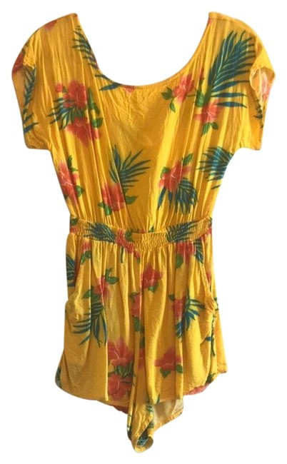 Preload https://img-static.tradesy.com/item/25404027/i-love-h81-yellow-and-multi-tropical-romper-cover-upsarong-size-12-l-0-1-650-650.jpg