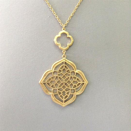 Generic Victorian Style Filigree Cut Pendant Gold Necklace Image 1