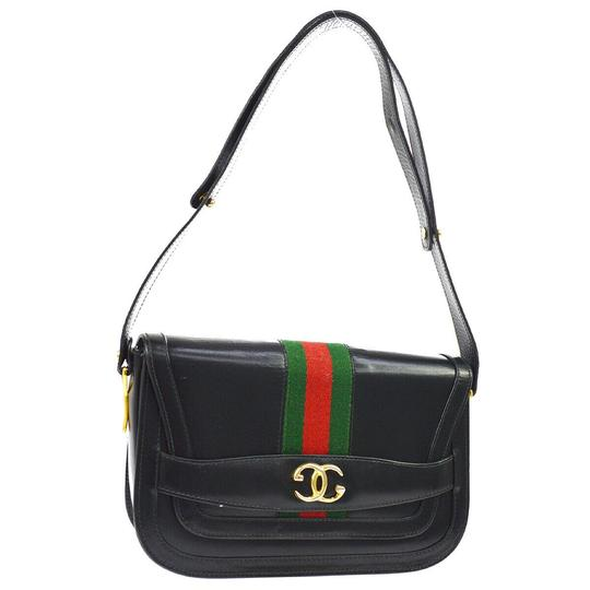 Preload https://img-static.tradesy.com/item/25404138/gucci-shelly-brown-vinyl-shoulder-bag-0-0-540-540.jpg