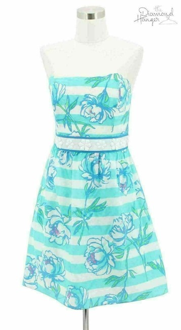 Preload https://img-static.tradesy.com/item/25404226/lilly-pulitzer-blue-white-n385-designer-medium-floral-short-cocktail-dress-size-8-m-0-0-650-650.jpg
