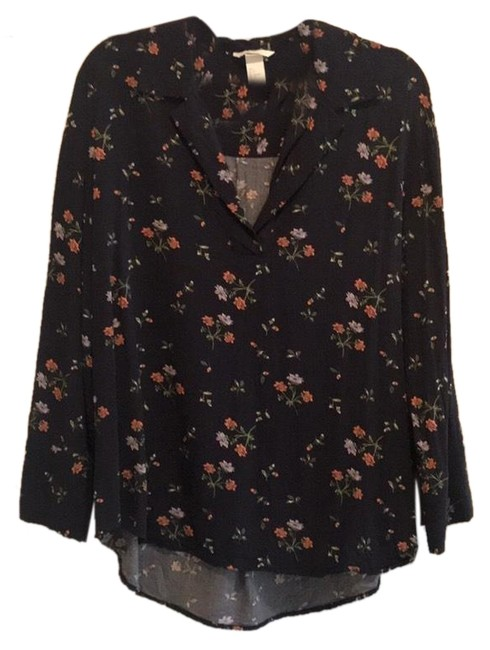 Preload https://img-static.tradesy.com/item/25404265/h-and-m-black-floral-shirt-blouse-size-4-s-0-1-650-650.jpg