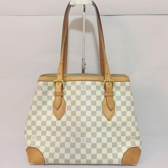 Louis Vuitton Lv Hampstead Hampstead Mm Damier Azur Canvas Hampstead Tote in White Image 1