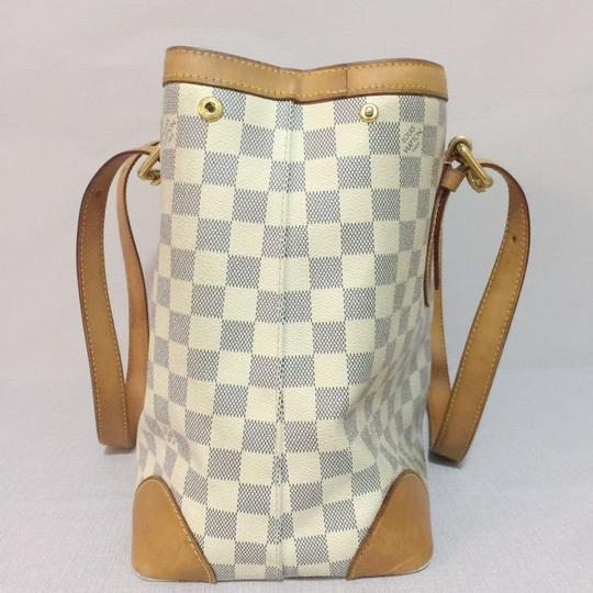 Louis Vuitton Lv Hampstead Hampstead Mm Damier Azur Canvas Hampstead Tote in White Image 2