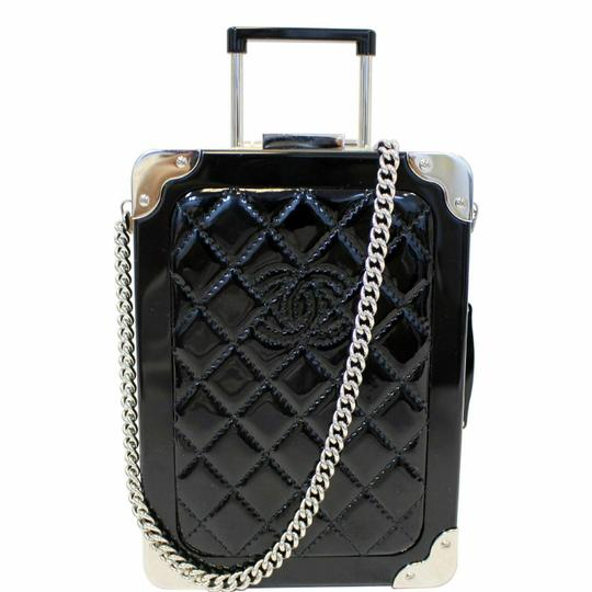Preload https://img-static.tradesy.com/item/25404765/chanel-evening-in-the-air-mini-trolley-minaudiere-black-quilted-patent-leather-cross-body-bag-0-0-540-540.jpg