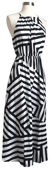Preload https://img-static.tradesy.com/item/25404781/nordstrom-black-and-white-striped-long-casual-maxi-dress-size-petite-0-xxs-0-1-650-650.jpg
