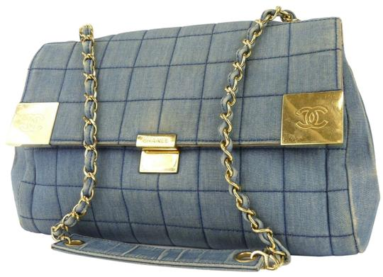Preload https://img-static.tradesy.com/item/25404967/chanel-blue-denim-cloth-shoulder-bag-0-1-540-540.jpg