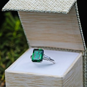 Green Platinum Cocktail Features with 6.00ct Emerald 0.50ct Dia Engagement Ring