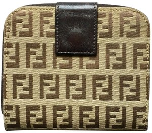 5572ecd4d2 Fendi Wallets on Sale - Up to 70% off at Tradesy