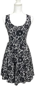Dolce&Gabbana Cotton Floral Lace Sleeveless Fitted Bodice Dress