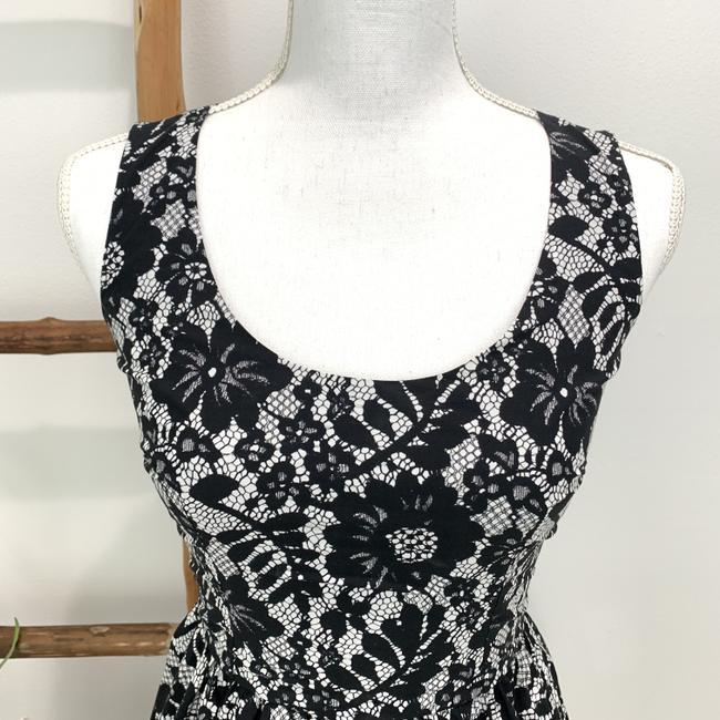 Dolce&Gabbana Cotton Floral Lace Sleeveless Fitted Bodice Dress Image 2