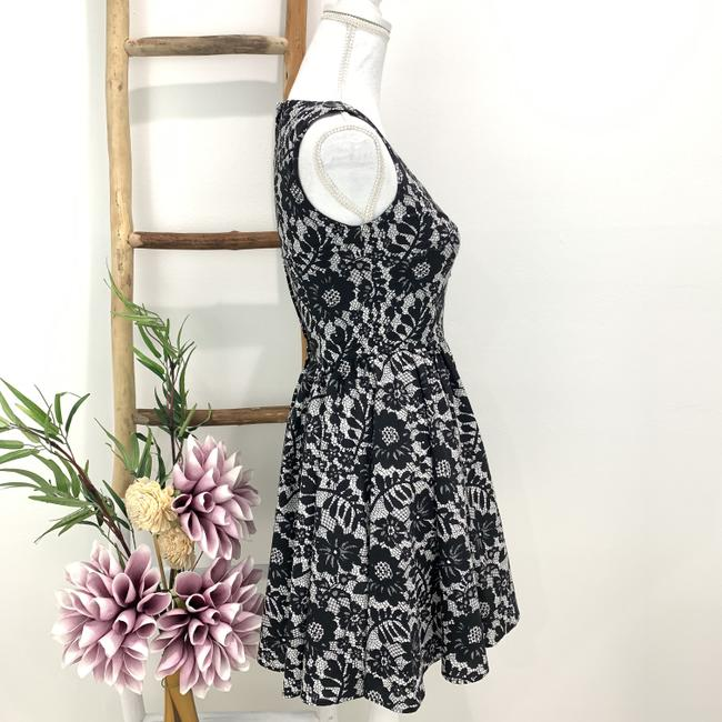 Dolce&Gabbana Cotton Floral Lace Sleeveless Fitted Bodice Dress Image 3