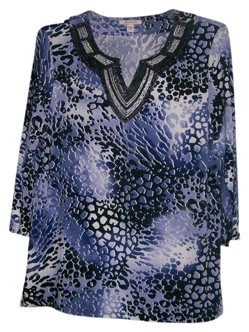 Preload https://item5.tradesy.com/images/periwinkle-blue-black-white-varigated-animal-print-and-silver-beaded-collar-tunic-size-14-l-254084-0-0.jpg?width=400&height=650