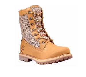 fefe21275b7 Timberland Boots & Booties Flat Up to 90% off at Tradesy