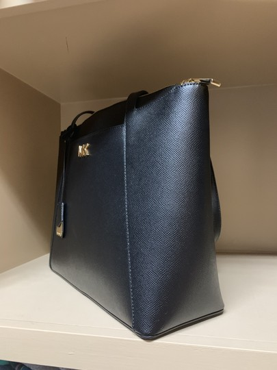 Michael Kors Tote in Black Image 2