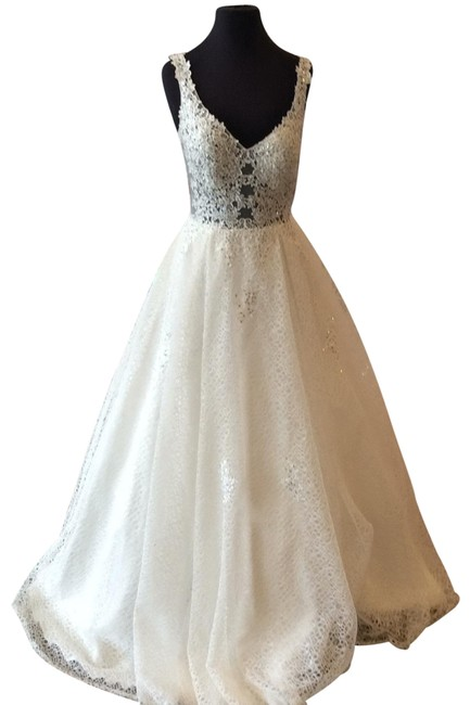 Item - Off White 64105a Long Formal Dress Size 8 (M)