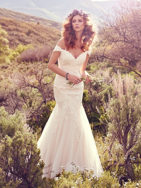Item - Ivory Lace Tulle Afton Sexy Wedding Dress Size 12 (L)