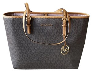 9b5bc163 Michael Kors on Sale - Up to 80% off at Tradesy