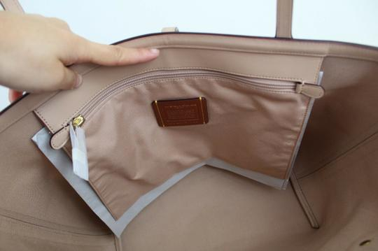 Coach Tote in Tan Chalk/Gold Image 11