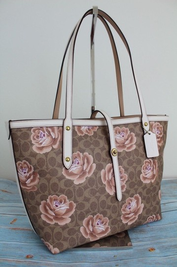 Coach Tote in Tan Chalk/Gold Image 6