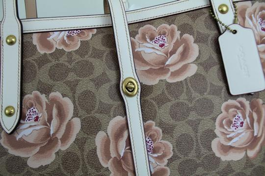 Coach Tote in Tan Chalk/Gold Image 9