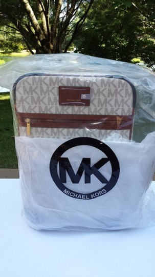 Michael Kors -Vanilla--WITH SPINNERS- Travel Bag Image 6