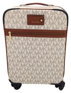 Michael Kors -Vanilla--WITH SPINNERS- Travel Bag