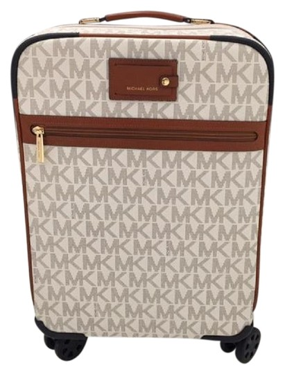 Preload https://img-static.tradesy.com/item/25412264/michael-kors-monogram-17000-off-retail-vanilla-with-spinners-coated-canvas-weekendtravel-bag-0-4-540-540.jpg