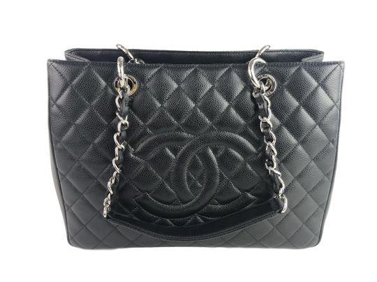 Chanel Caviar Shoulder Bag Image 0