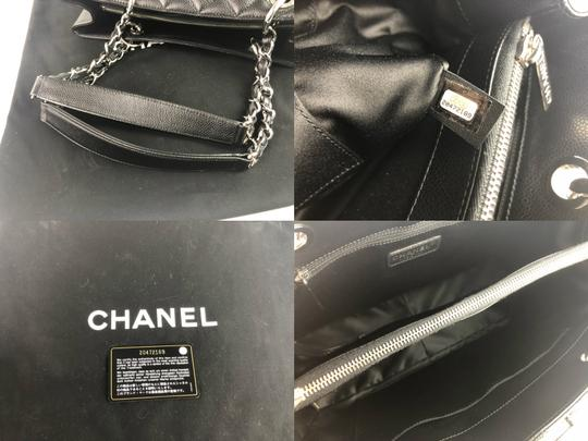 Chanel Caviar Shoulder Bag Image 1