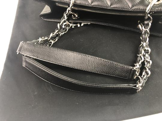 Chanel Caviar Shoulder Bag Image 11