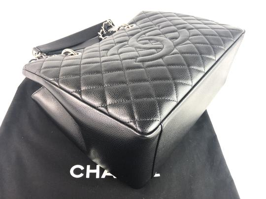 Chanel Caviar Shoulder Bag Image 3