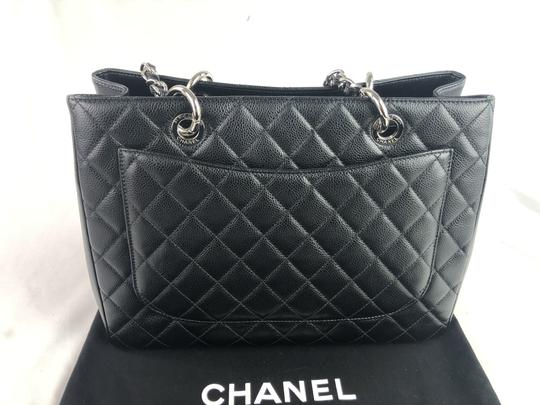 Chanel Caviar Shoulder Bag Image 5
