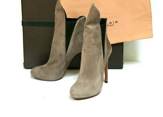 Preload https://img-static.tradesy.com/item/25412394/alaia-gray-chamois-bicolor-a1t263-bootsbooties-size-eu-40-approx-us-10-regular-m-b-0-5-540-540.jpg