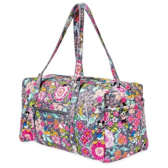 Preload https://img-static.tradesy.com/item/25412419/vera-bradley-duffel-gym-disney-mickey-and-friends-donald-daisy-minni-weekendtravel-bag-0-0-540-540.jpg