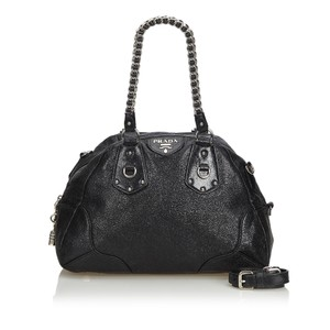 d3423b7aad Black Leather Prada Satchels - Up to 70% off at Tradesy