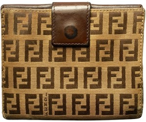 5dc30c60 Fendi Wallets on Sale - Up to 70% off at Tradesy