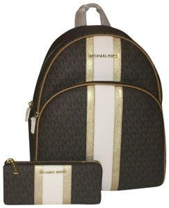 a17d78cb12e535 Michael Kors Backpacks - Up to 70% off at Tradesy (Page 8)