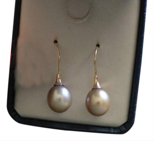Preload https://item2.tradesy.com/images/tahitian-south-sea-exceptional-9mm-south-sea-pearl-earrings-14kt-yg-254171-0-1.jpg?width=440&height=440